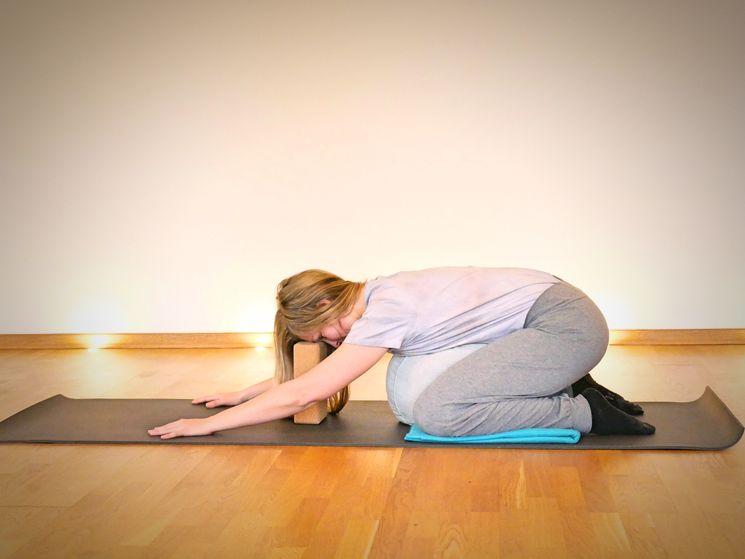 Yoga gegen Regelschmerzen