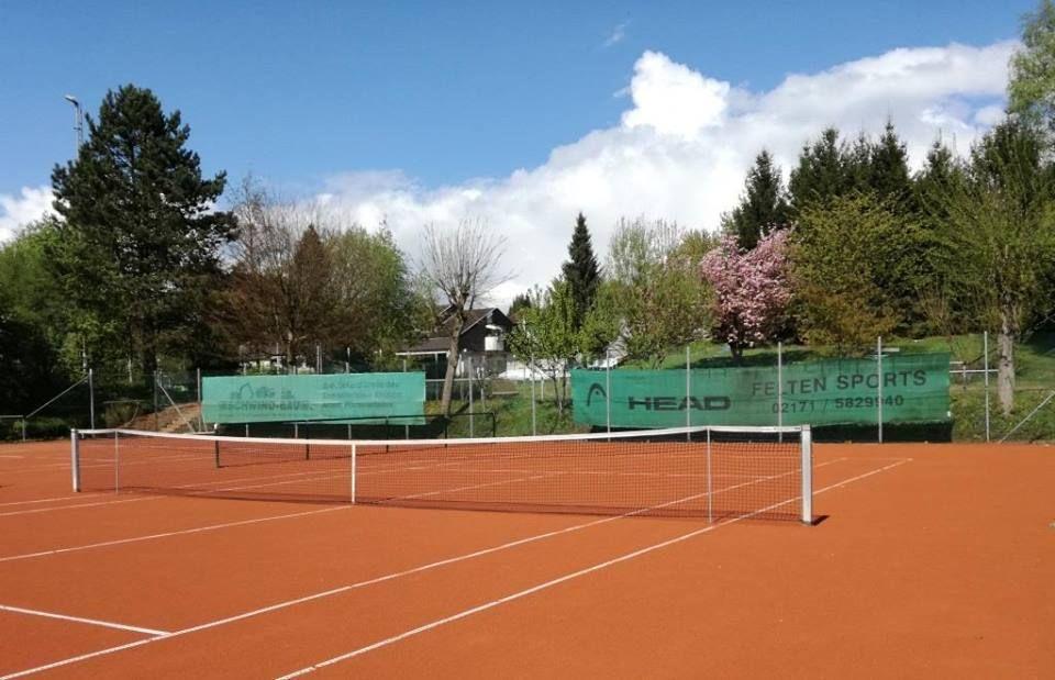 Tennis Rot Weiss