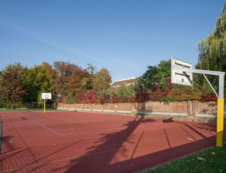 USI Wien Grimmgasse   Basketballplatz