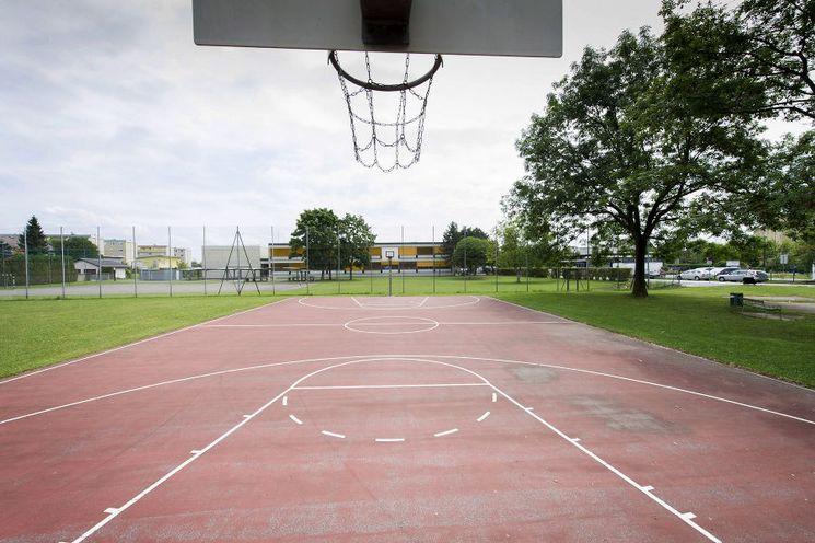 Bezirkssportplatz Webling   Basketballplatz