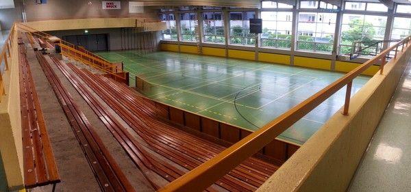 Sporthalle Pradl   Tribüne